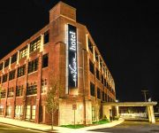 an Ascend Hotel Collection Member enVision Hotel Boston-Everett