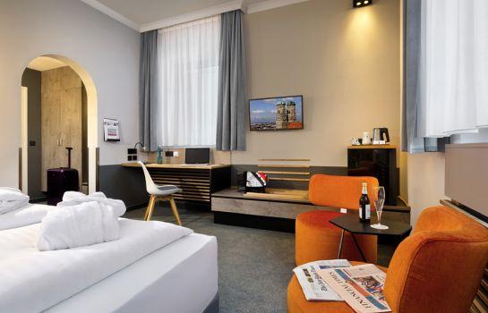 Wuppertal: Flemings Express Hotel Wuppertal