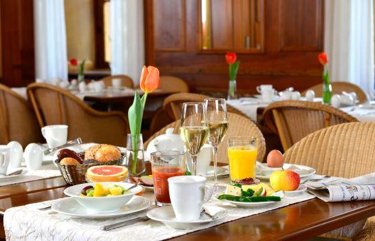 Best Western Premier Victoria Garni-Freiburg im Breisgau-Breakfast room