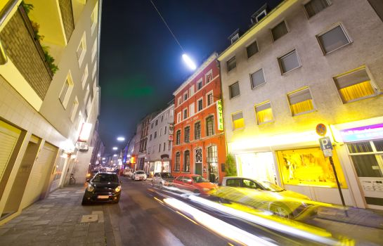 Köln: Novum Ahl Meerkatzen Altstadt