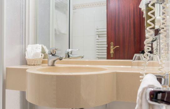 Central-Freiburg im Breisgau-Bathroom