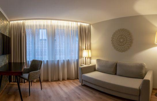Hotel Rappen Muensterplatz-Freiburg im Breisgau-Suite