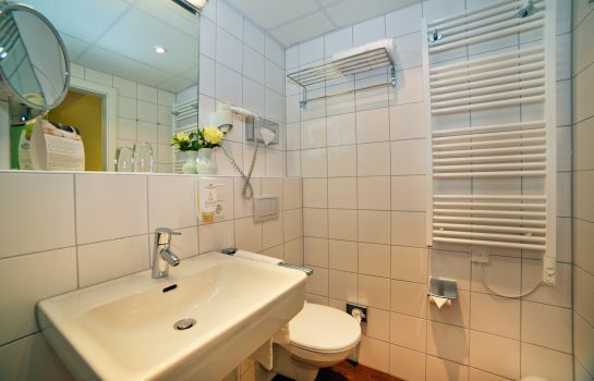 Stadthotel Freiburg Kolping Hotels Resorts-Freiburg im Breisgau-Badezimmer