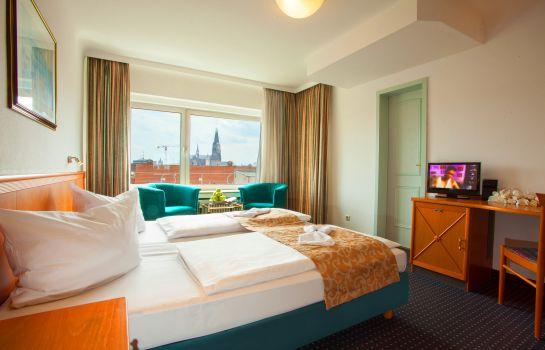 Köln: Centro Hotel Royal