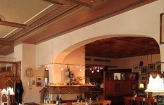 Zum Schiff-Freiburg im Breisgau-Restaurantbreakfast room