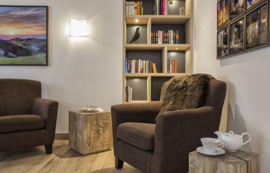 The Alex Hotel-Freiburg im Breisgau-Reading room