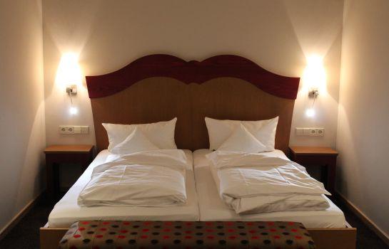 Zum Kreuz Landhotel-Glottertal - Glotterbad-Room with balcony