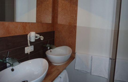 Schwarzenberg-Glottertal - Glotterbad-Badezimmer