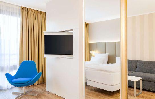 hotels near eishalle revierpark wischlingen