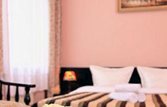 Berlin: Cortina Hotel-Pension