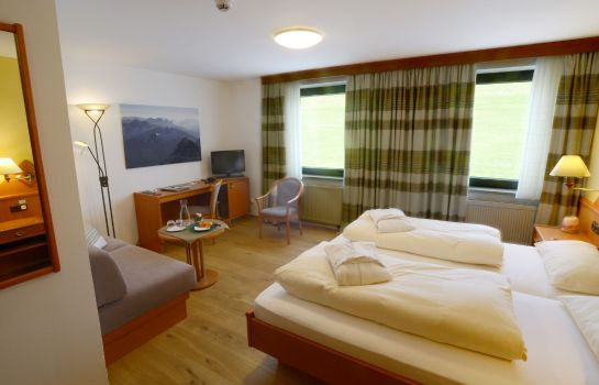 Eggensberger_Biohotel_Wellness-Fuessen-Double_room_standard-1-43937 Room
