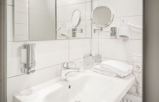 Bischofslinde-Freiburg im Breisgau-Bathroom