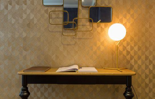 Hotel Jardin De Villiers Logis A Paris 75 Family Loisirs