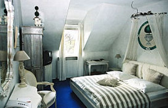 Ritzi Room