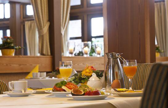 Leine-Pattensen-Breakfast_room-3-74591