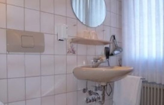 Laube-Heuweiler-Badezimmer