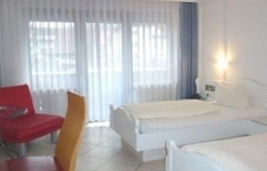 Laube-Heuweiler-Zimmer mit Balkon