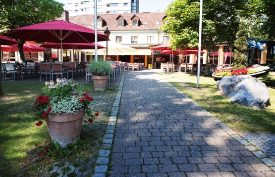 Neu-Ulm: Barfüßer