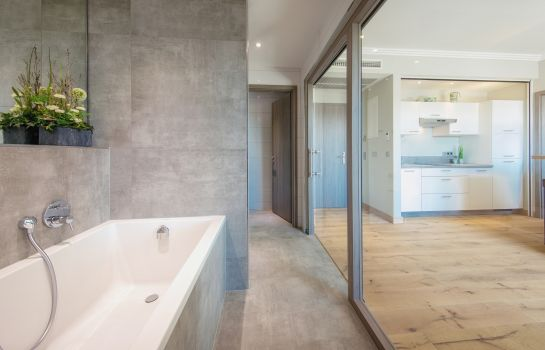 Heuboden Hotel HeuLoft-Umkirch-Bathroom