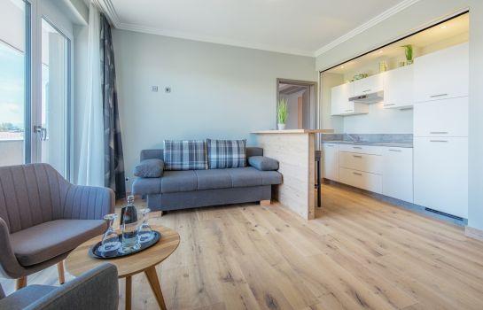Heuboden Hotel HeuLoft-Umkirch-Kitchen in room