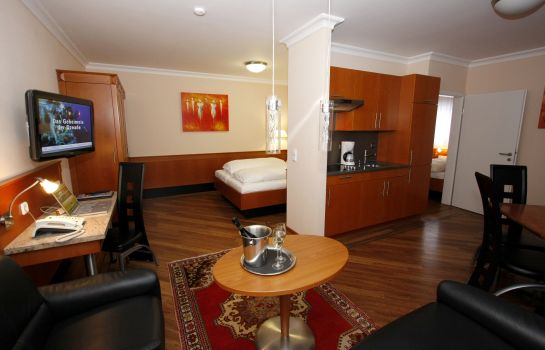 The KRAL BUSINESS HOTEL & SERVICED APARTMENTS