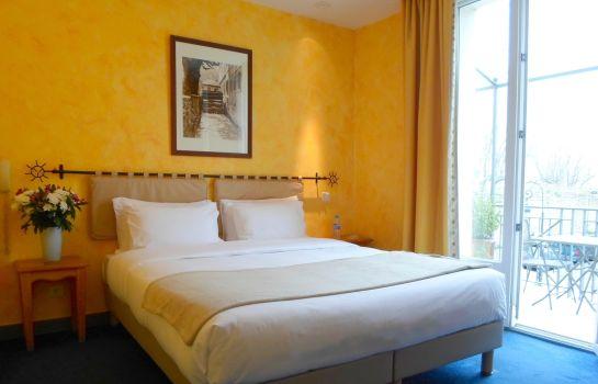Acacias Brit Hotel