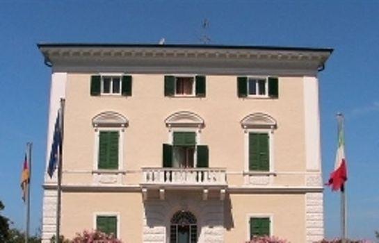 Grand Hotel Villa Parisi