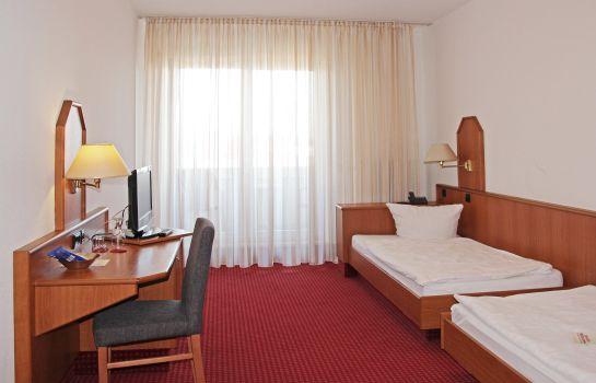 Sportpark Hugstetten-March-Zimmer mit Balkon