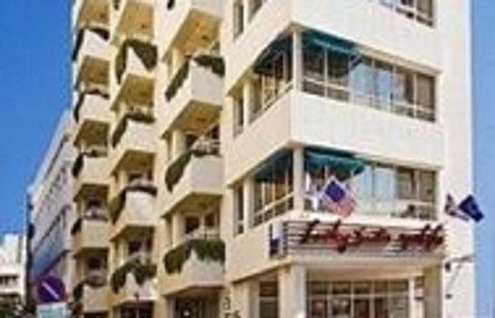 Lusky Hotel Rooms & Suites