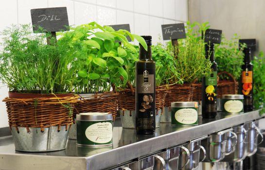 Schwarzenbergs Traube-Glottertal - Glotterbad-Hotel kitchen