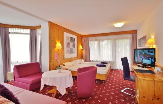 Schwarzenbergs Traube-Glottertal - Glotterbad-Room with balcony