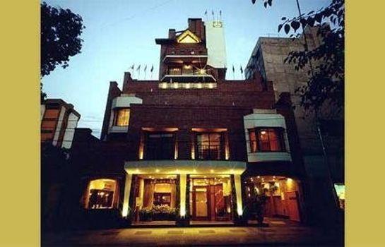 Reina Victoria Suites & Towers