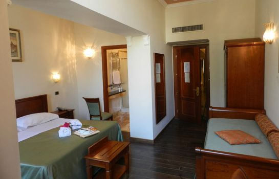 Domus Florentiae-Florenz-Dreibettzimmer