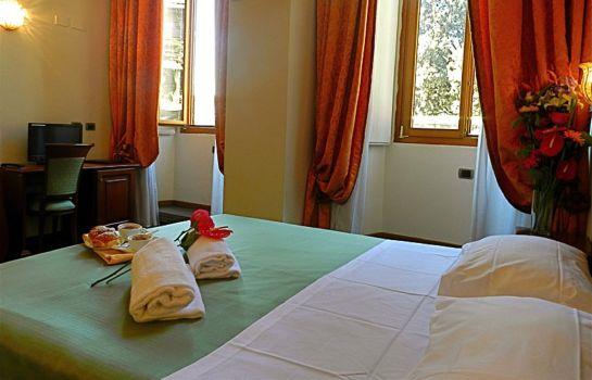 Domus Florentiae-Florence-Double room superior