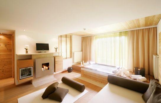 Das_Kranzbach-Kruen-Hotelhalle-1-396842 Interior