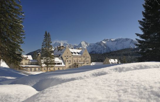Das_Kranzbach-Kruen-Hotel_outdoor_area-1-396842 Surounding
