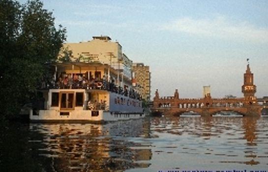 Berlin: Eastern Comfort Hotelboat