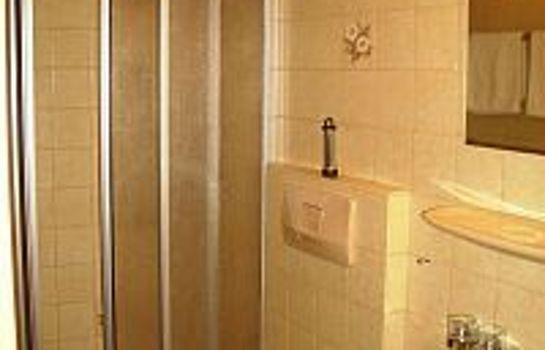 Foehrenbacher Garni-Kirchzarten-Badezimmer