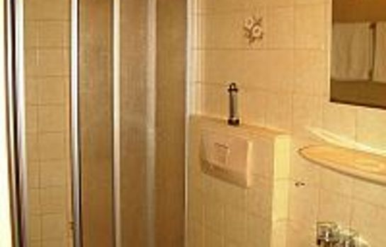 Foehrenbacher Garni-Kirchzarten-Bathroom