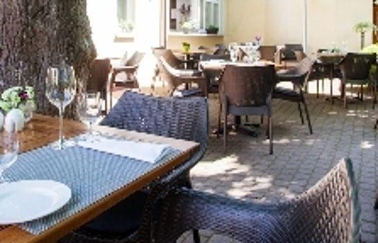 Gruener Baum Gasthaus-Merzhausen-Terrasse