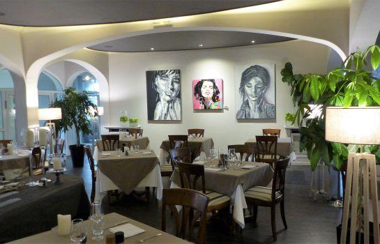 Hotel Restaurant Le H-Barr-Restaurantbreakfast room