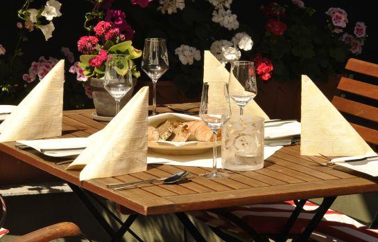 Osthofen: Zum weißen Roß Weingasthof