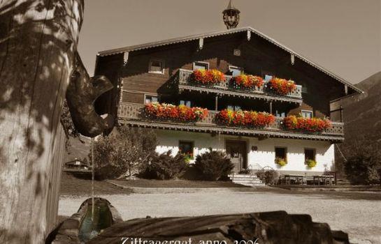 Bauernhof Ferienbauernhof mit Märchenkulisse - Zittrauerhof