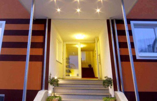 EB Hotel Garni - Cafe & Bistro
