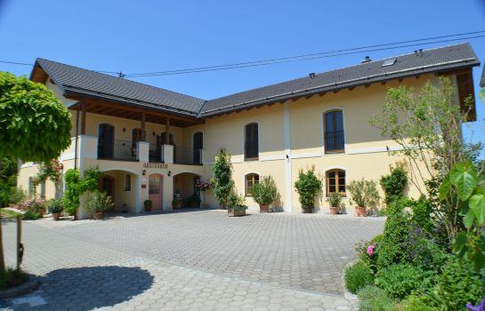 Neumeier Gästehaus Exterior