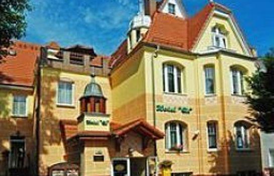 Cis Hotel