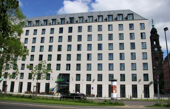 Holiday inn express dresden city centre in dresden for Besondere hotels weltweit