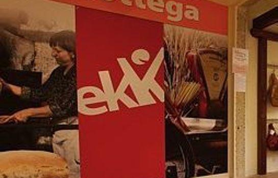 Ekk Hotel