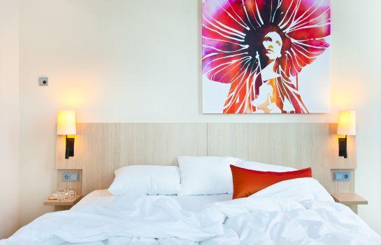 Scandic_Emporio-Hamburg-Doppelzimmer_Standard-541973 Room