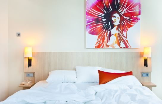 Scandic_Emporio-Hamburg-Double_room_standard-541973 Room